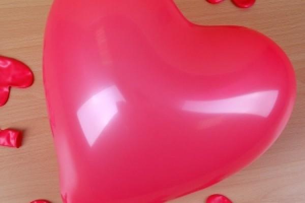 Herzform Luftballons – rot